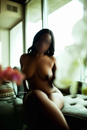 Yassira escorts