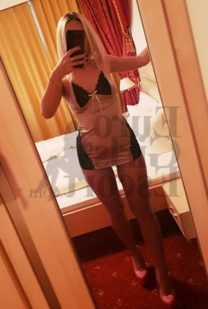 Julie-anne escort