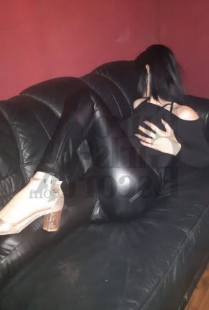 Lu-ann escort girl in Bridgeport CT