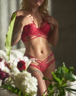 Annalie escort girl