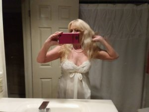 Kallie escort girl in Beaufort SC